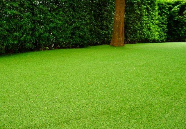El césped artificial es una alfombra muy parecida a la hierba natural